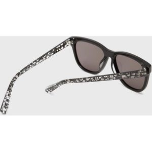 NWT Elizabeth & James sullivan sunglasses